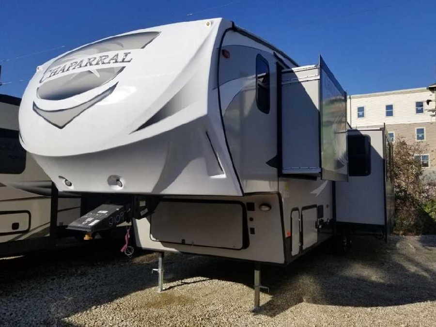 2019 Coachmen RV Chaparral Lite 295BH 0