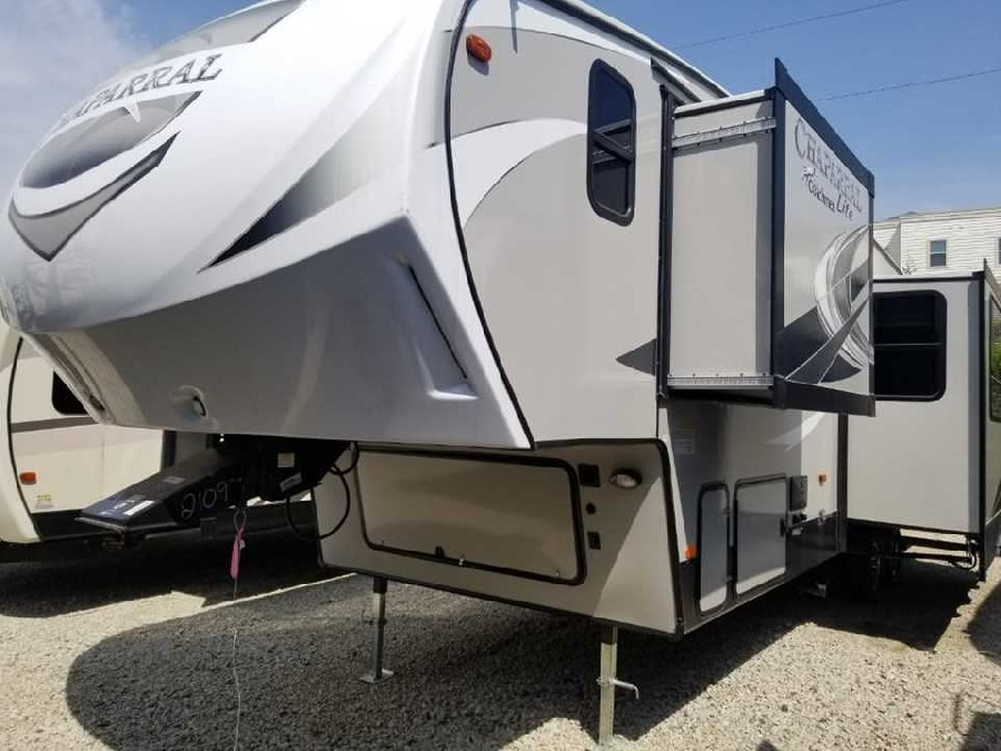 2019 Coachmen RV Chaparral Lite 295BH 1