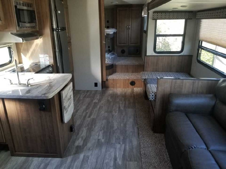 2019 Coachmen RV Chaparral Lite 295BH 3