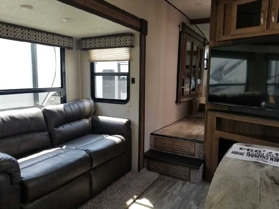 2019 Coachmen RV Chaparral Lite 295BH 5