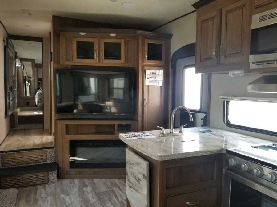 2019 Coachmen RV Chaparral Lite 295BH 7
