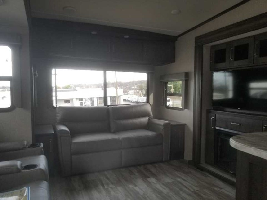 2020 Grand Design RV Reflection 150 Series 295RL 4