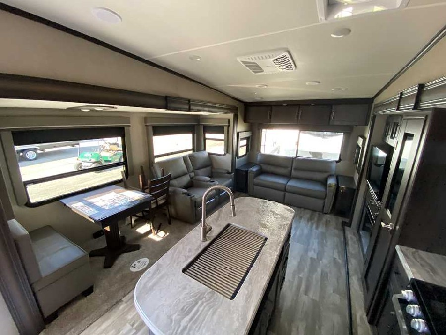 2021 Grand Design RV Reflection 150 Series 295RL 4